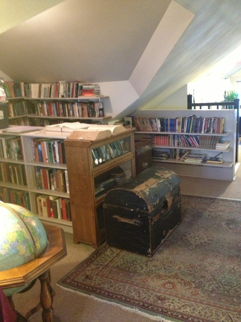 Sylvia Beach Hotel Library